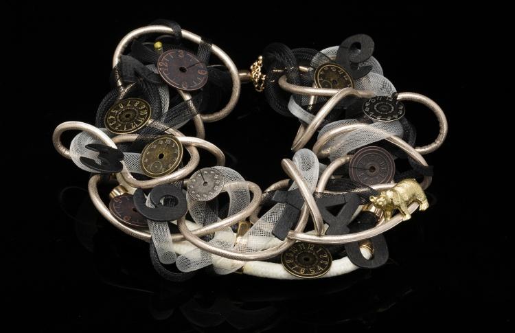 «Другая алхимия»: украшения-мания Тины Хмельницкой