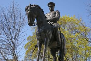 Памятник Рокоссовскому признан лучшим. А статуя сидящего Шостаковича – на 6 месте