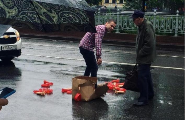 Фаллоимитаторы спровоцировали пробку на Цветном бульваре