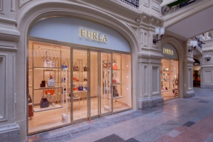 В ГУМе заработал флагманский бутик Furla