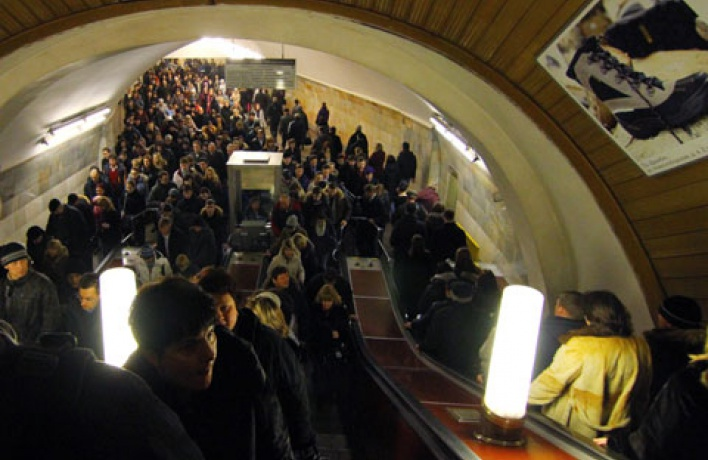 Банда хулиганов сломала 95 эскалаторов метро