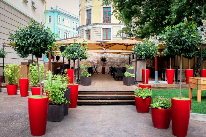 Летняя веранда ресторана «Фаренгейт»