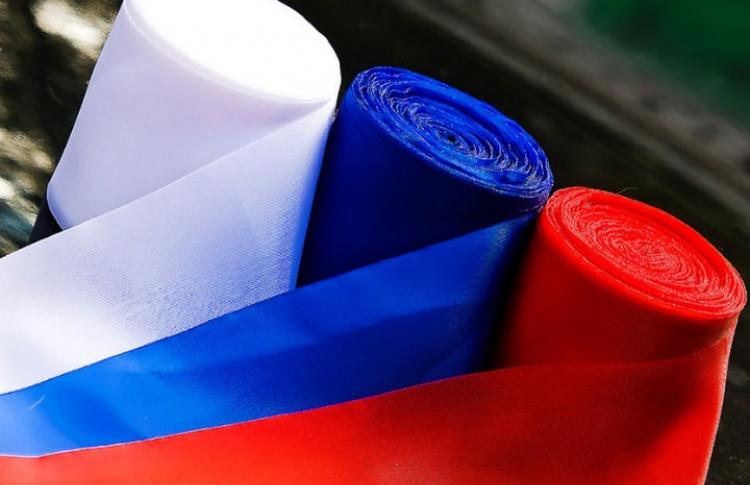В День России в метро будут дарить бейсболки за исполнение гимна