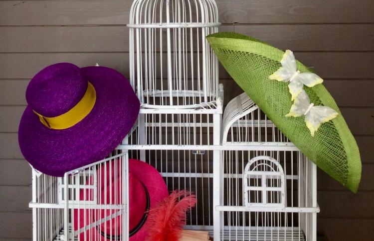 Выставка дамских шляпок ручной работы