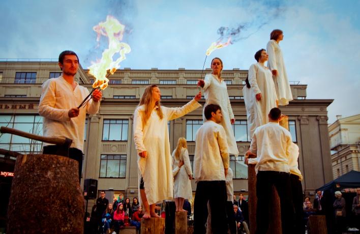 25 и 26 июня в центре города покажут уличный спектакль