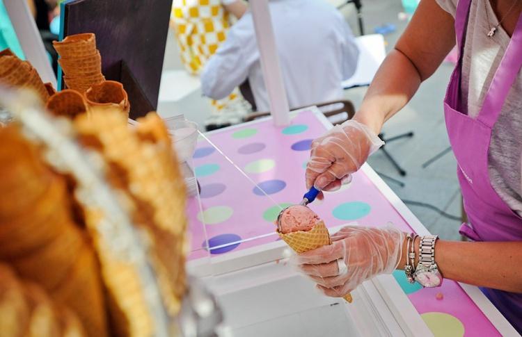 За три дня в Москве продали около 20 тонн мороженого