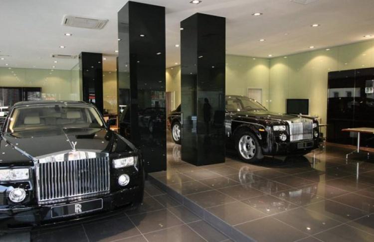 Rolls-Royce открыл первый в Европе салон подержанных машин