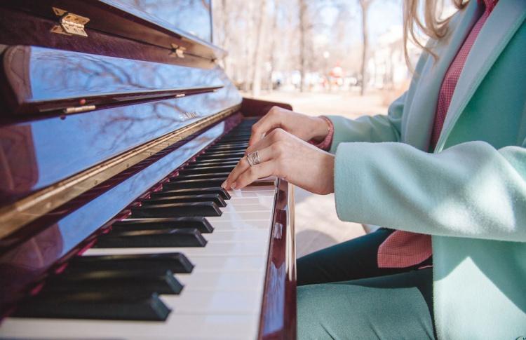 В парке «Сокольники» установят фортепиано для тех, кто не умеет играть