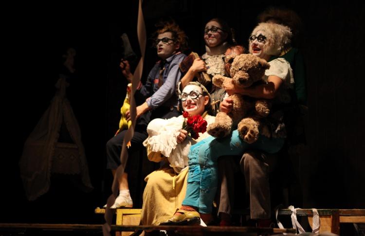 Семьянюки — театр в жанре клоунады