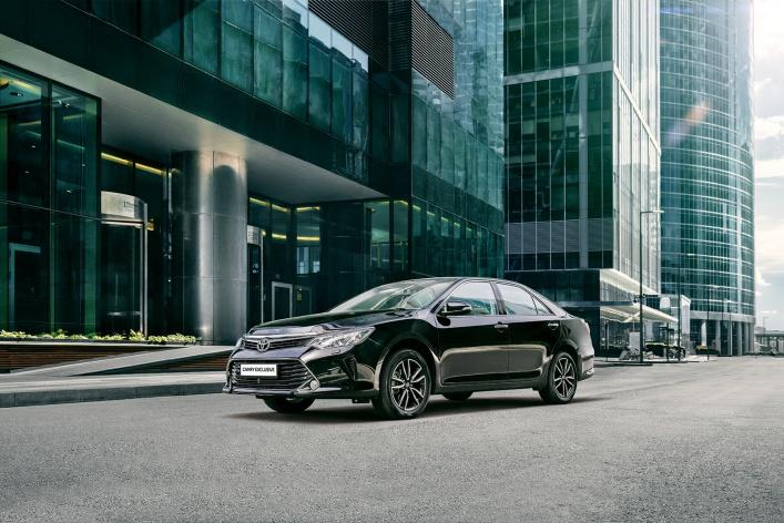 Toyota Camry Exclusive – уникальная комплектация с новым уровнем комфорта в движении