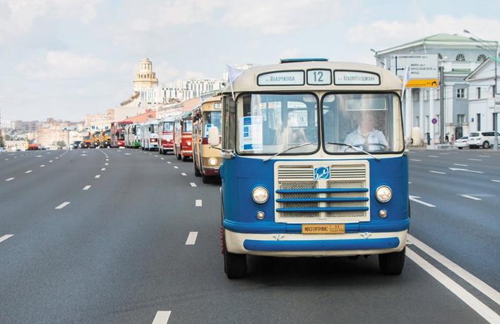 20 ретроэкспонатов пройдут колонной на Празднике московского автобуса