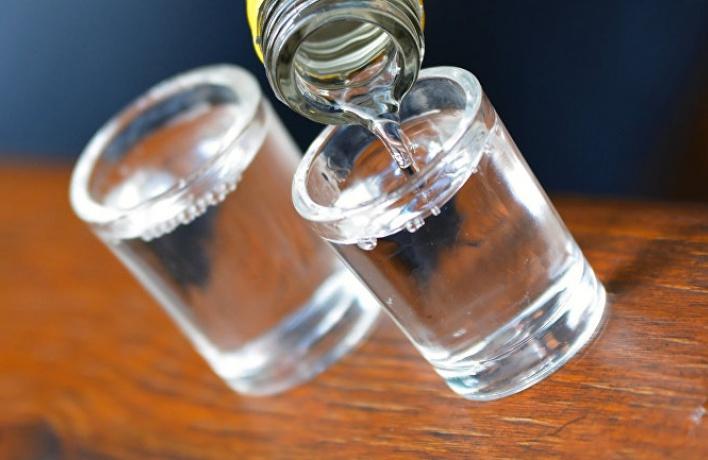 Потребление водки в Москве снизилось почти на 40%