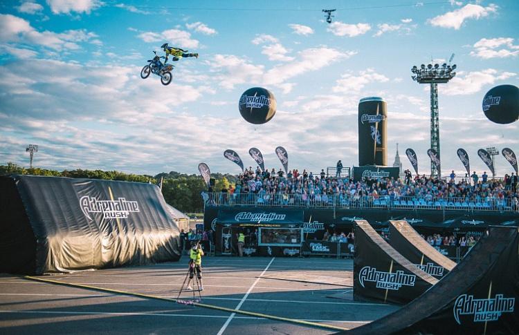 Международная мотофристайл-битва  Adrenaline FMX Riders снова в Москве!