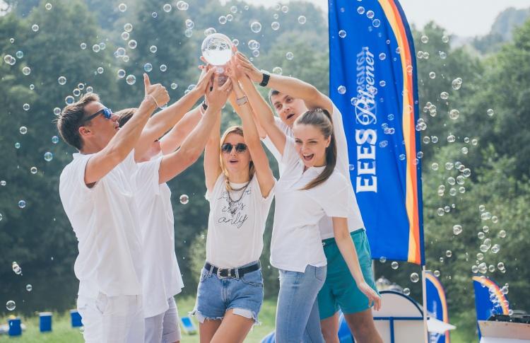 Российские знаменитости приняли участие в Чемпионате по зорбоулингу