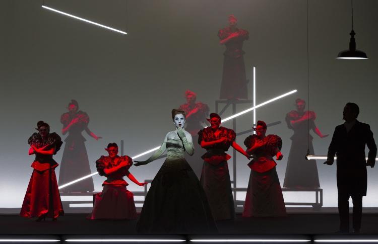 Жители Санкт-Петербурга увидят оперу «Травиата» в кино