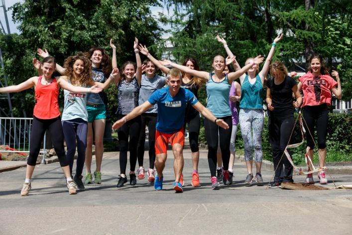 «Тренер не дал мне свернуть в раздевалку» — как проходят женские тренировки adidas Urban Tri