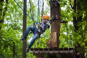 Веревочные парки: получи заряд адреналина