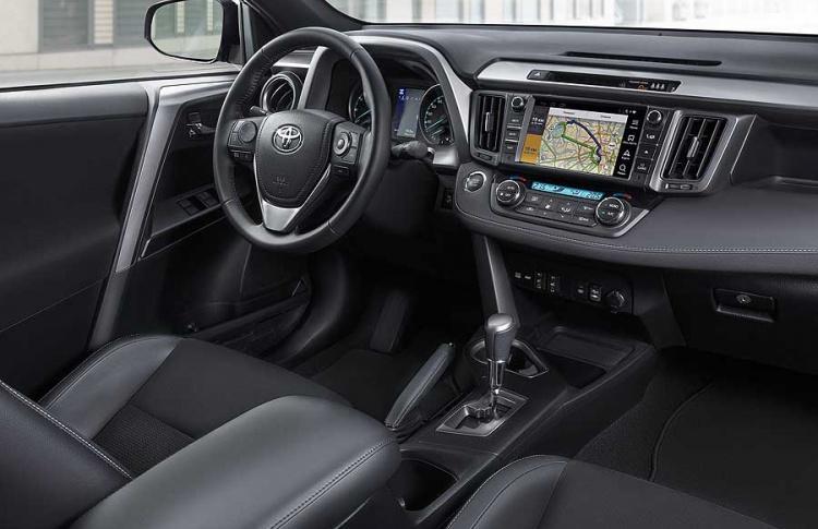 Toyota объявляет о старте приема заказов на новую специальную серию RAV4 Exclusive Фото №494730