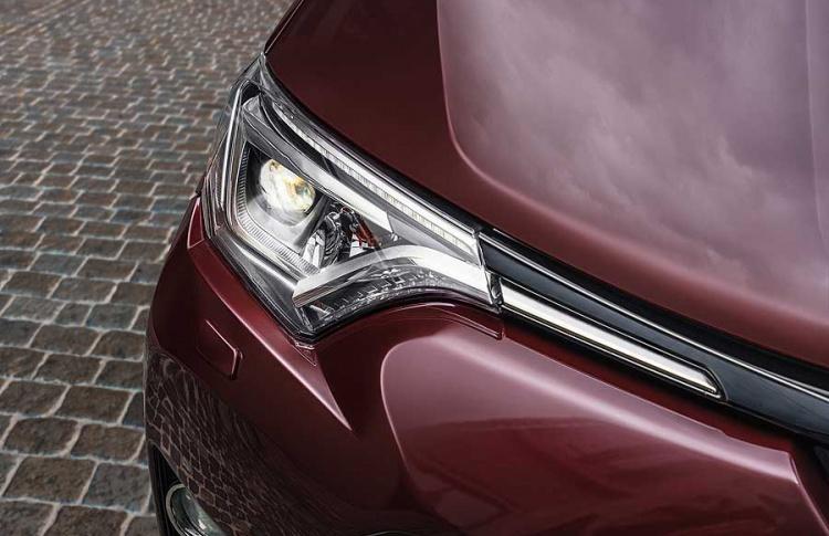 Toyota объявляет о старте приема заказов на новую специальную серию RAV4 Exclusive Фото №494738