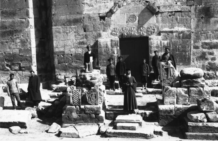 Театральные чтения поэтического цикла Осипа Мандельштама «Армения» в музыкальном сопровождении
