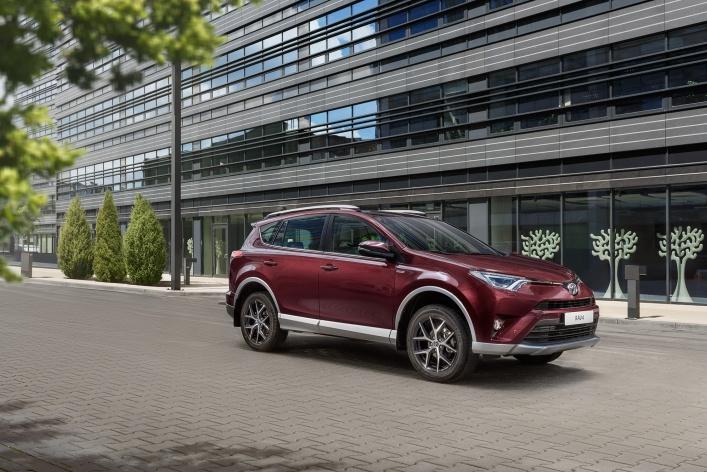 Toyota объявляет старт продаж специальной серии Exclusive популярного городского кроссовера RAV4