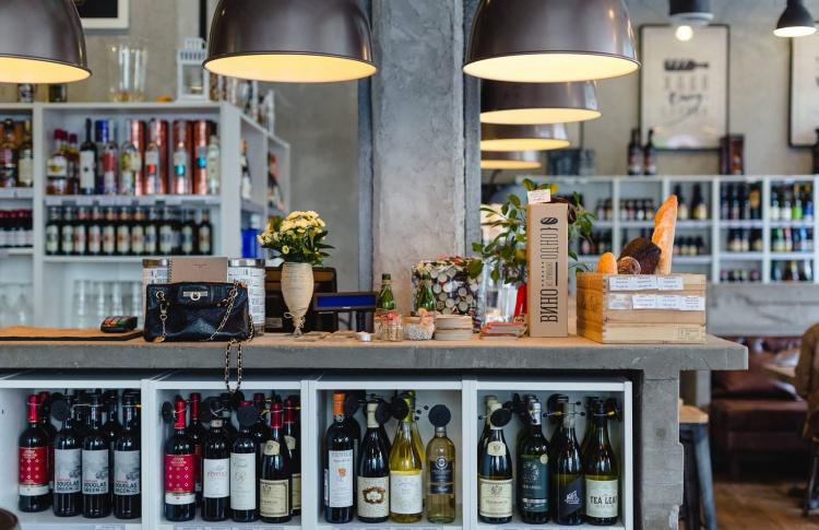 Пиво и вино: 8 ресторанов, где надо пробовать и то, и другое Фото №498436