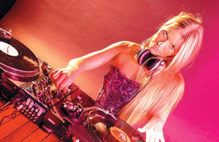 """""""Оранжевые дни 2008"""": DJ Кара Сан (Голландия)"""