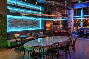 7 лучших ресторанов с караоке