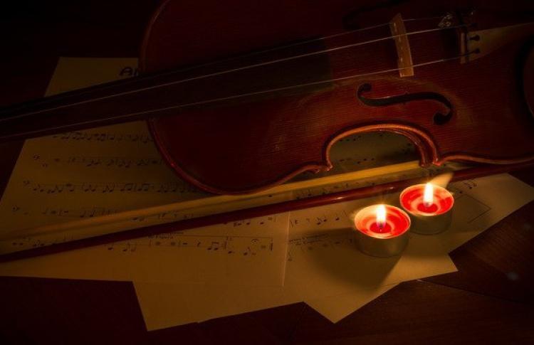 Рождественский вечер при свечах