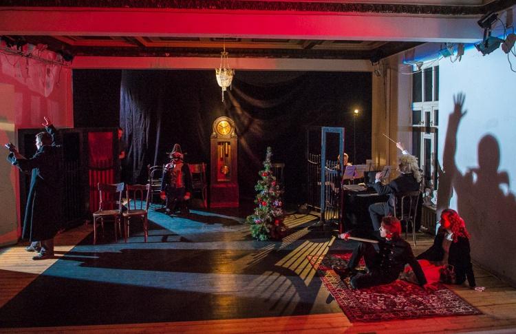 Новогодняя детская программа в театре «Практика»