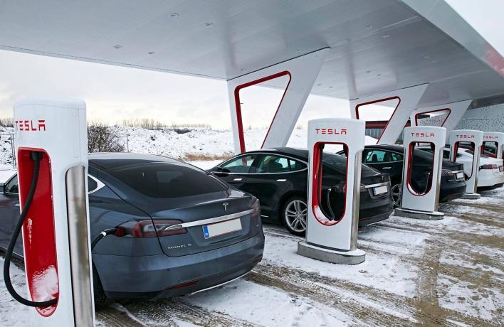 Компания Tesla объявила осоздании своего представительства в Российской Федерации