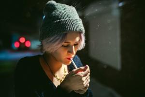 Минздрав предложил запретить продажу сигарет родившимся после 2014 года