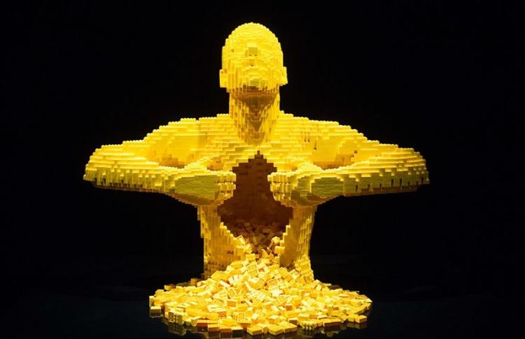 В «Экспоцентре» открыта большая выставка «Искусство Lego»