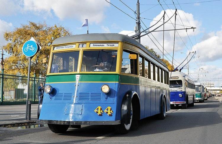 Что происходит с троллейбусами в Москве, и за каким видом транспорта будущее?
