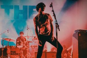 The Kooks перенесли российские гастроли на осень