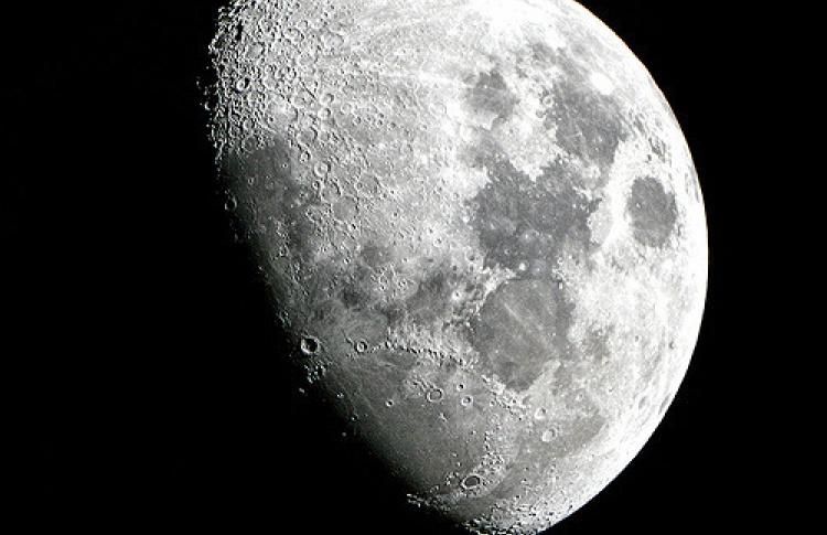 Роскосмос набирает людей для полета на Луну