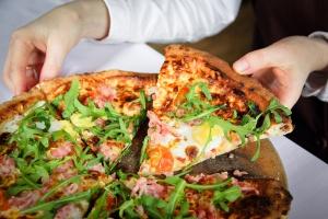 Пиццу в Luciano теперь готовит чемпион