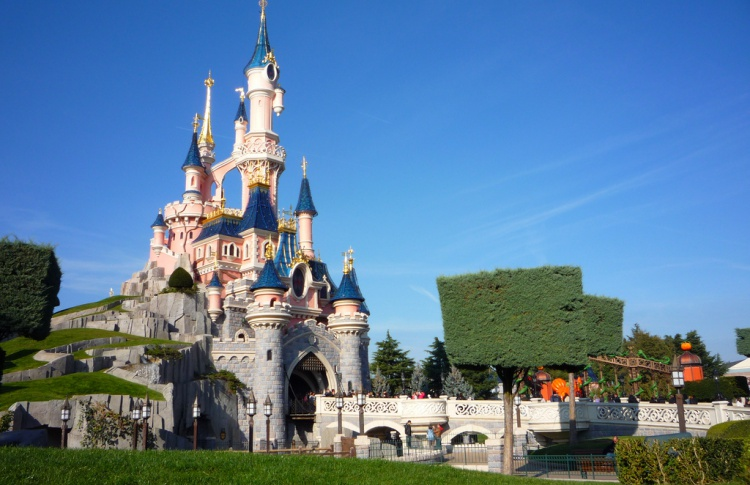 На ВДНХ появится парк аттракционов от создателей парижского «Диснейленда»
