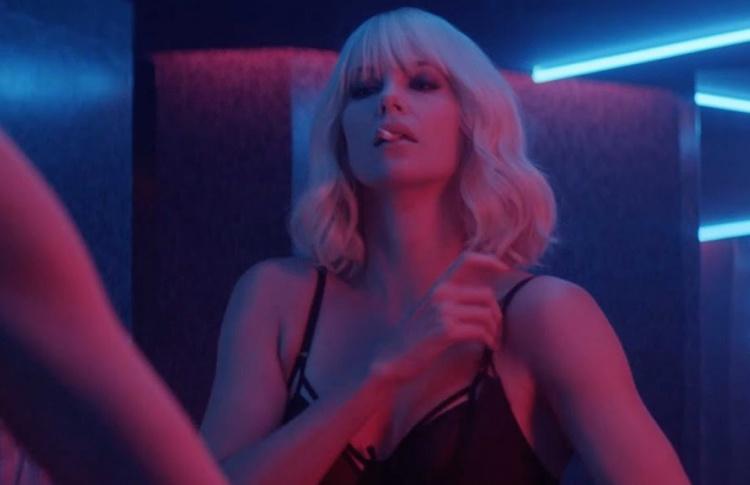 Вышел новый трейлер «Взрывной блондинки» с Шарлиз Терон