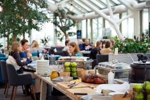 10 новых бранчей в ресторанах Москвы