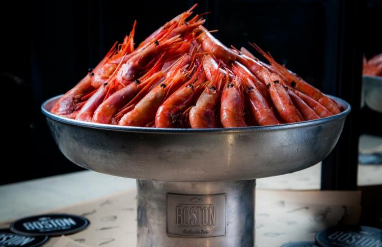 Креветки на льду в Boston Seafood&Bar