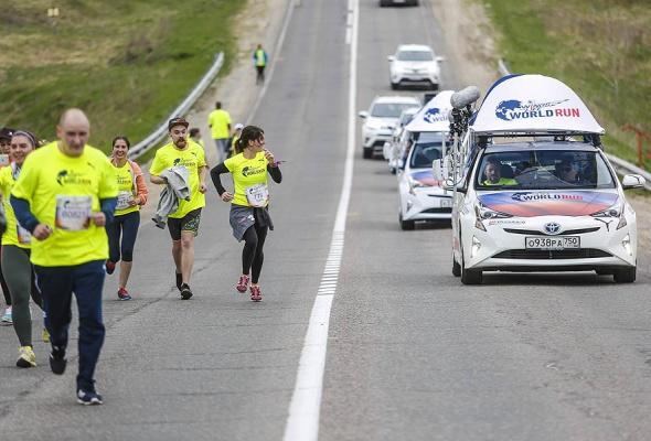 Догнать чтобы наградить: 1,5 тысячи участников, 27 тысяч километров и Toyota Prius - Фото №0