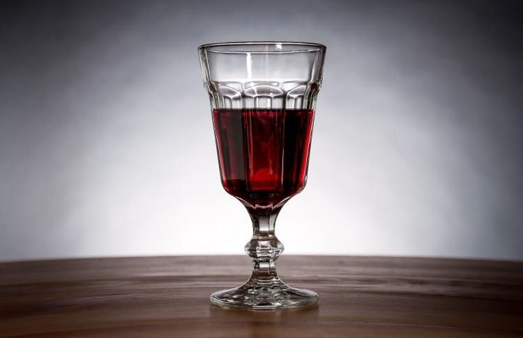 Импортеры вина предупредили об уходе 80% участников рынка из-за приказа Минфина