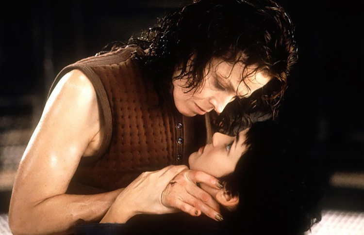 8. «Чужой 4: Воскрешение» (1997)