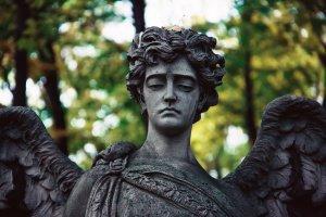 Кладбища Москвы: зачем и ради кого туда ходить, если вы еще живы
