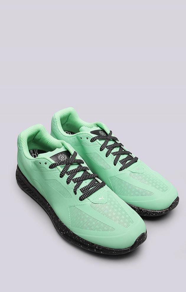14 пар кроссовок для жаркой погоды