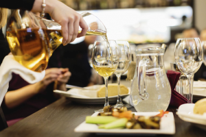 8 винотек с бесплатными дегустациями