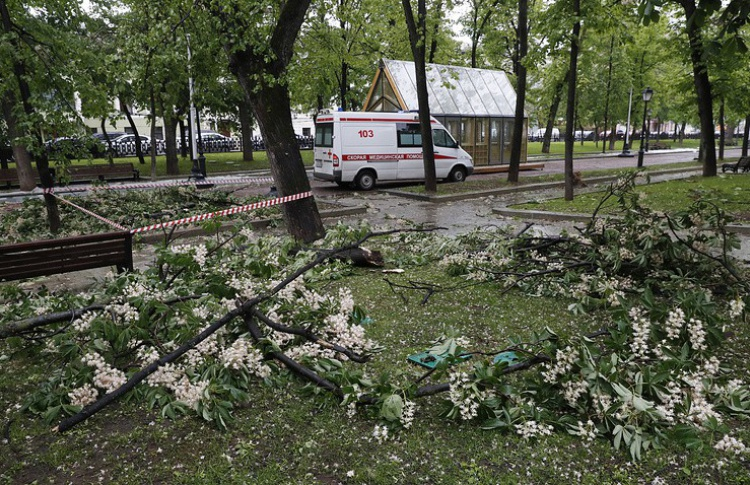 Во второй половине дня в Москве пройдет дождь с ураганным ветром