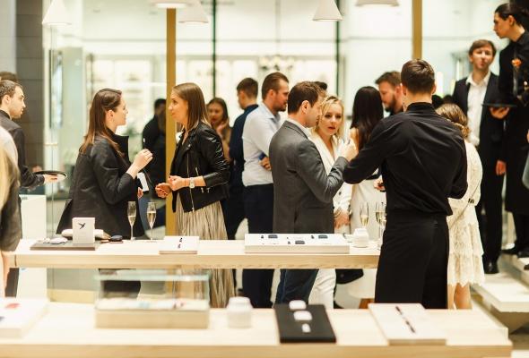 Инновационный бренд IQOS открыл первый флагманский бутик в Северной столице - Фото №14