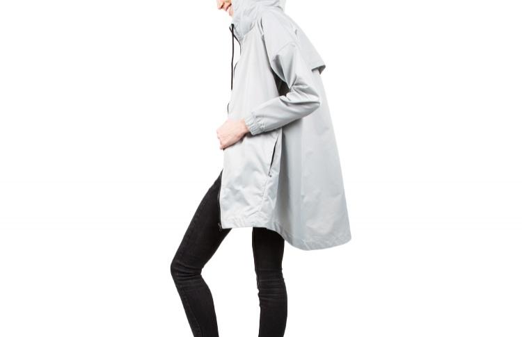 Куртка-ветровка с удлиненной спинкой